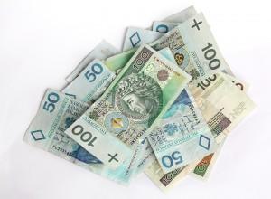 Pożyczki stacjonarnie czy przez Internet?
